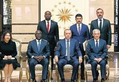 Erdoğan'a güven mektubu sundular