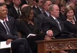 Cenazede Bush'tan Obama'ya jest