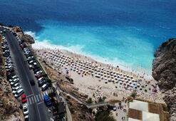 Kaputaş Plajı'na gelen büyüleniyor