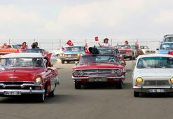 Klasik otomobillerle Formula 1 pistinde zafer turu