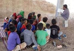İranda köy köy gezip yoksul çocuklara masal okuyan imamın hikayesi