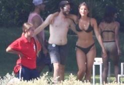 Shauna Sexton havuz partisinde