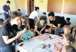 'Işıklı Gelecekler' ile tatilde gönüllü hizmet