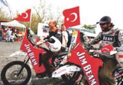 Türk bayrağı finişe vardı