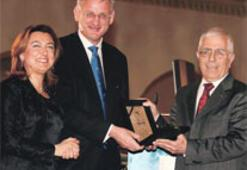 TÜSİAD Dış Politika Ödülü Bildt'in