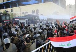 Irak'ın 7 kentinde halk sokağa döküldü