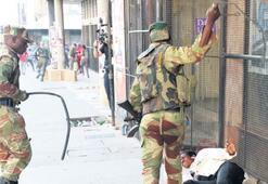 Zimbabve'de sokak durulmuyor