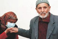 84'lük Asım Dede'den 34'lük kızına can aşısı