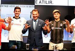 Beşiktaşta yeni transfer için toplu imza töreni yapıldı