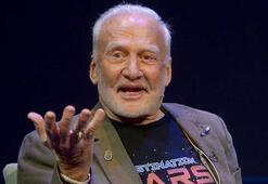 Buzz Aldrin, Aya aslında hiç gitmediklerini itiraf etti