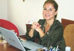 Egeli kadın profesör Sağın'a büyük onur