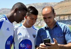 Diyarbakıra gelen Kolombiyalı yıldızlar çeviri programıyla anlaşıyor
