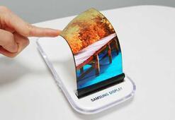 Samsung yeni katlanabilir telefon ailesi Galaxy F serisi üzerinde çalışıyor