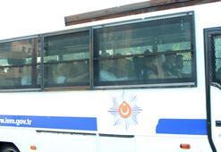 Adnan Oktarın kedicikleri otobüslerle cezaevine nakledildi