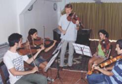 Ayvalık'tan 10 yıldır gençlerin klasik müziği yükseliyor