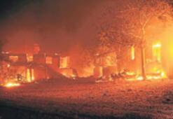 Alevler Antalya'yı bırakmıyor
