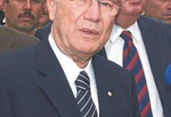 Eski Kızılay Başkanı Gönen kazada öldü