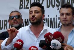 İstanbul Emniyetin önünde Adnan Oktar protestosu
