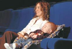 Bebeğinizle film seyredin