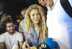 Shakira İstanbula geldi Türkçe teşekkür...