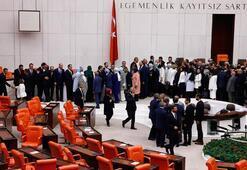 Son dakika | Yeni kabinenin üyeleri Mecliste yemin etti
