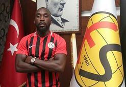 Eskişehirspor, Herve Kage ile bir yıllık sözleşme imzaladı