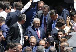 Cumhurbaşkanı Erdoğan ve Başbakan Yıldırım birlikte Cuma namazı kıldı