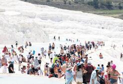 'Beyaz Cennet'e akın ediyorlar