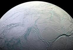 Satürnün uydusunda yaşama dair kanıtlar bulundu