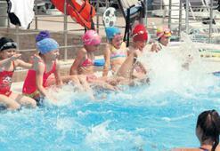 Bayraklı'da çocuklar spora doyuyor