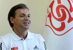 Tamer Tuna: Sahada her maçı kazanabilecek  bir takım olacak