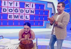 Emel Özkızıltaşa doğum günü sürprizi