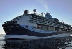 2018 sezonunun en büyük gemisi Kuşadasına yanaştı