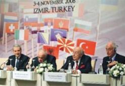 Demirel: Türkiye AB'siz AB de Türkiye'siz olmaz
