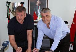 Akhisarsporda Safet Susic imzaladı
