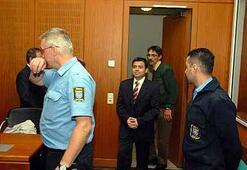 Skandal Fener mahkûmuna sürekli basın kartı