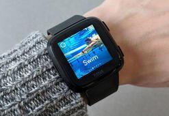 Fitbit Versa akıllı saat inceleme: Erkeklerden çok kadınlara yönelik