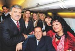 Başbakanlığa alınmayan gazeteci, Gül'ün uçağında