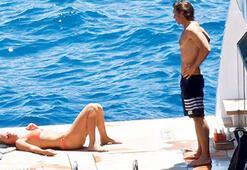 Teknede öpmelere doyamadı