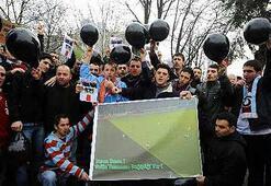 Trabzonsporlu taraftarlardan tehlikeli çıkış