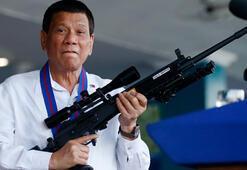 Tanrı aptal diyen Filipinler lideri Duterte, Katolikleri kızdırdı