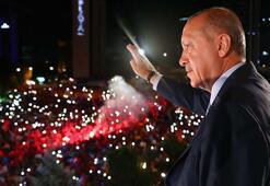 Son dakika: Cumhurbaşkanı Erdoğan balkon konuşmasında mesajı verdi