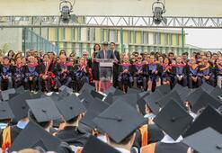 Özyeğin Üniversitesinde mezuniyet heyecanı