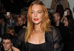Lindsay Lohan Mikonosta ortaya çıktı