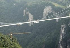 Dünyanın en uzun bungee jumpingi
