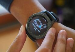 Samsung Gear S4, daha büyük  batarya ve yeni rengi seçeneğiyle gelebilir