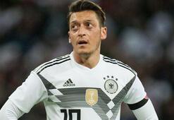Mesut Özil, Meksika karşısında yok