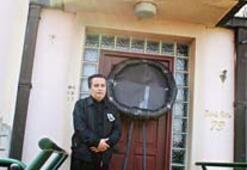Garipoğlu villasına siyah çelenk