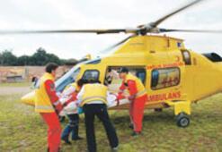 Acemi paraşütçüyü helikopter kurtardı
