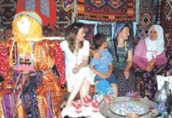 Köylü kadınlar, el emeklerini sergileyip birincilik kovalayacak